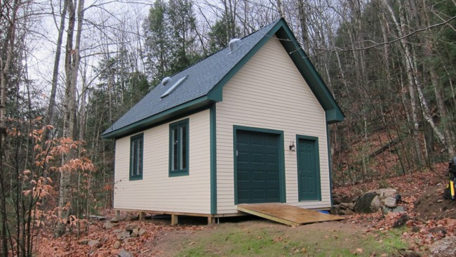 plans to build this deluxe 16 x 24-foot shed with a full attic. Plans